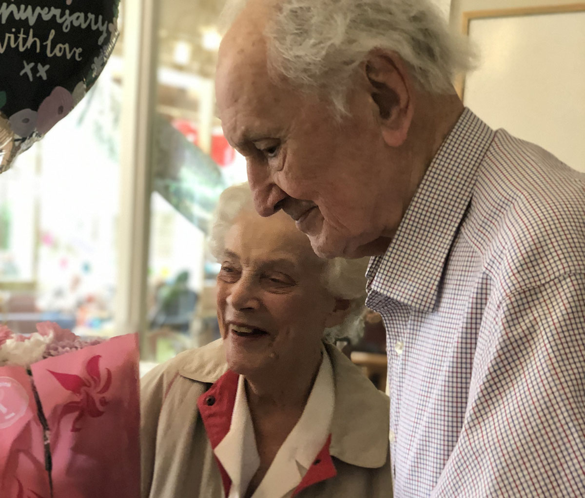 Bromley Park Home Residents 70th Wedding Anniversary