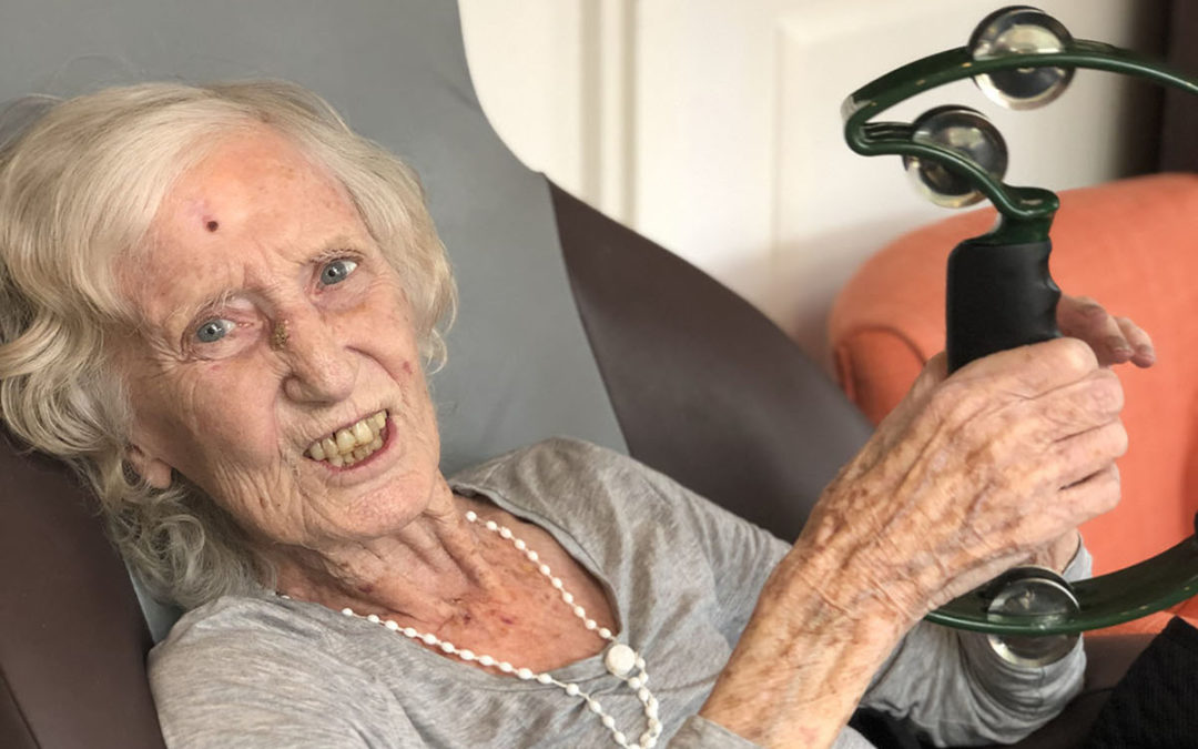 Music and dance at Bromley Park Care Home