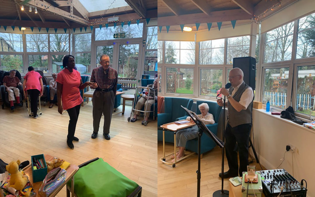 Bromley Park Care Home residents welcome singer Andrew