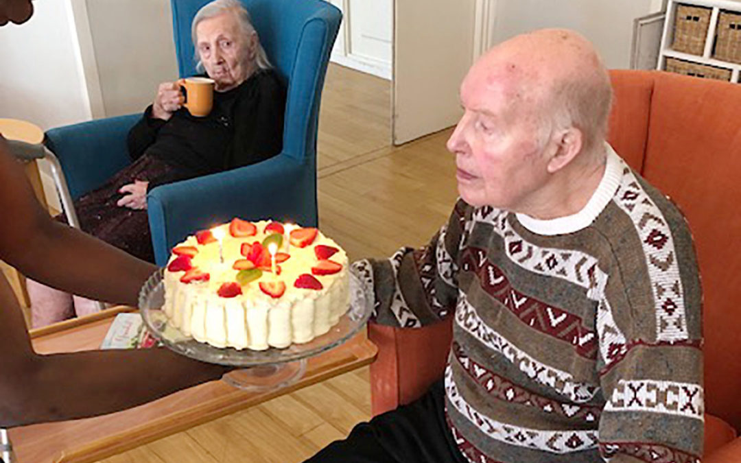 Ken celebrates his birthday at Bromley Park Care Home